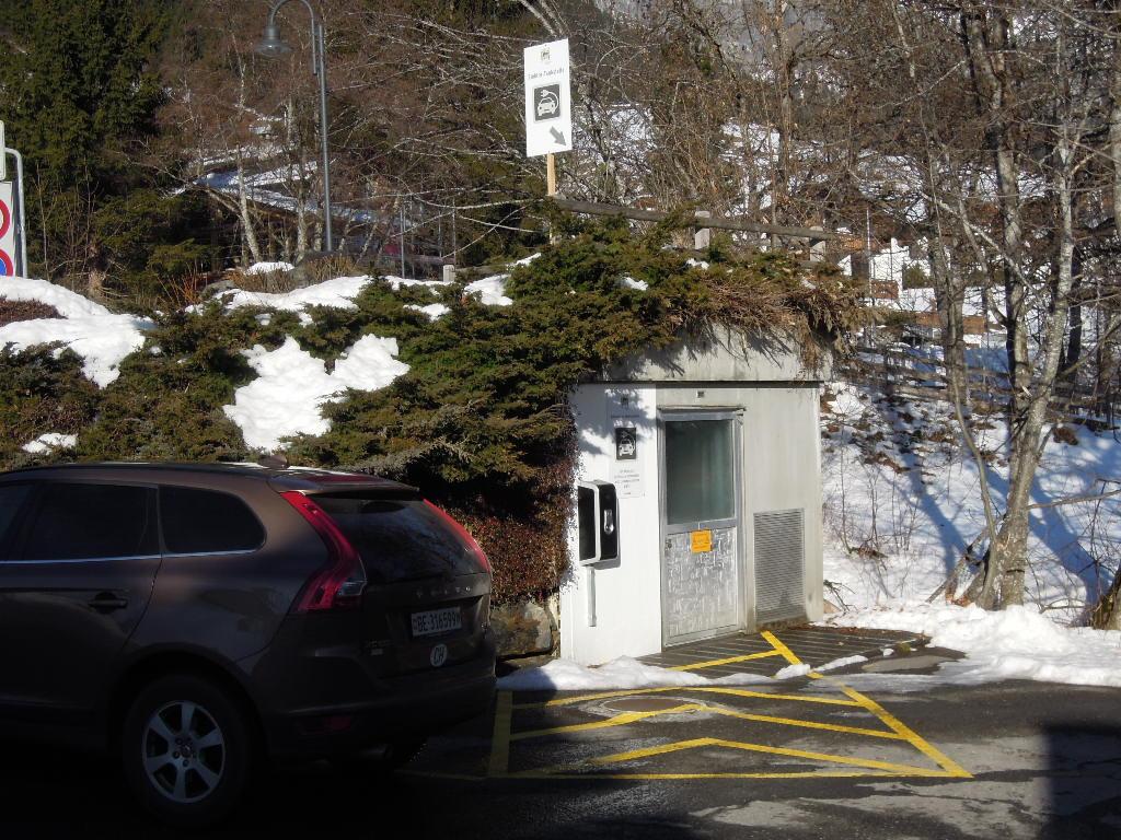 Als eines der ersten Hotels in der Region bieten wir unseren Gästen eine E-Tankstelle an.