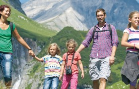 Hiking in Flims with family and children