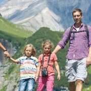 Family walking in Flims