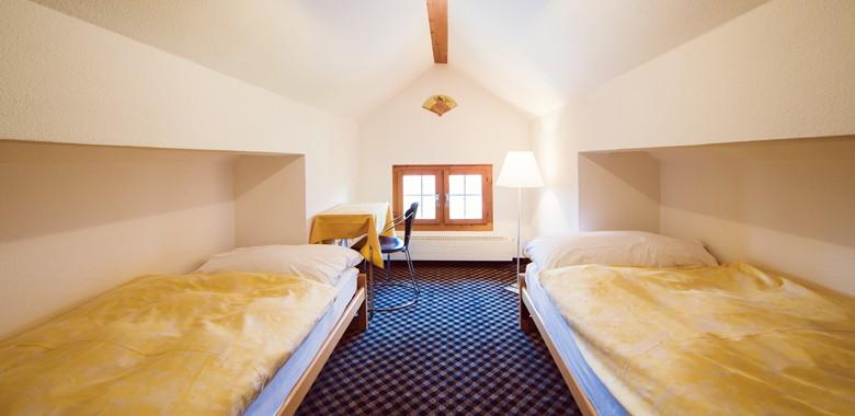 mansarde zimmer hotel fidazerhof. Black Bedroom Furniture Sets. Home Design Ideas